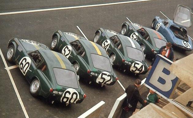 L'équipe Triumph aux 24 heures du Mans 1965