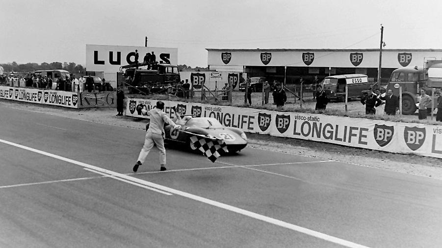 L'arrivée des 24 heures du Mans 1963