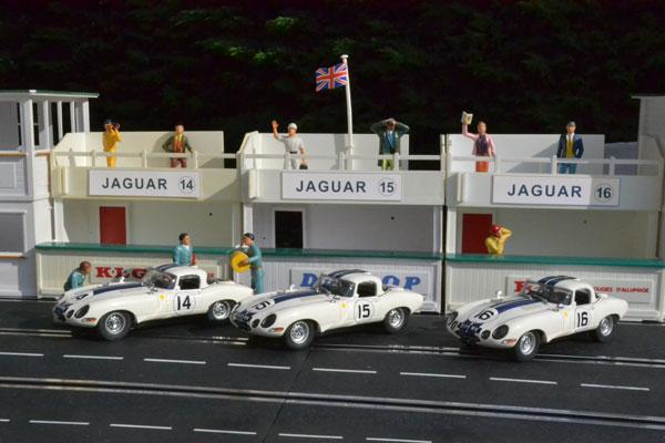 Les trois voitures du team Cunnigham réunies
