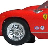 Ferrari 275P - Monogram 85-4896 - Détails de la décoration avant et des roues