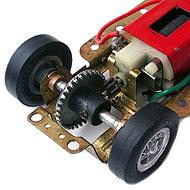 Ferrari 250 LM Monogram - La transmission et le chassis laiton