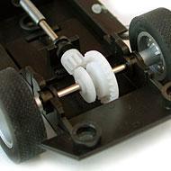 Jaguar Type E Lightweight Revell - Le moteur avant et l'arbre de transmission