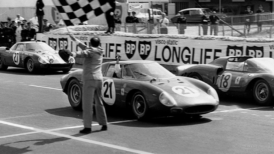 L'arrivée des 24 heures du Mans 1965