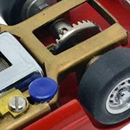Ferrari 330 P2 Strombecker - le châssis, le moteur et la transmission