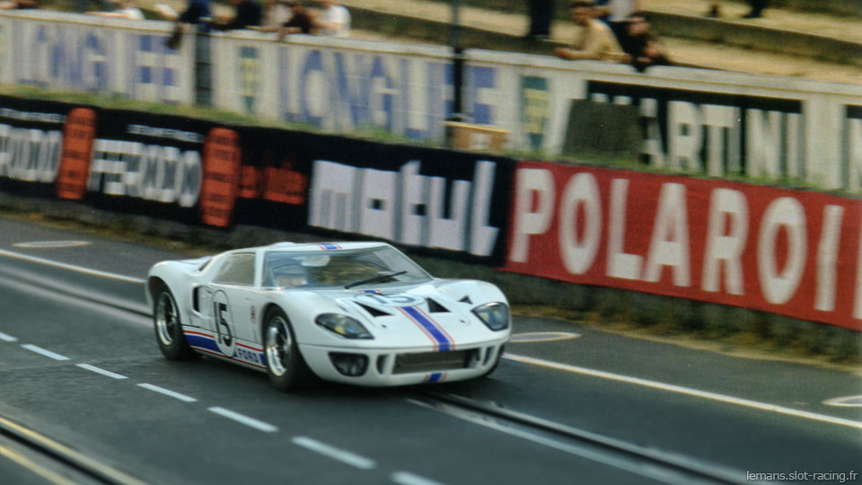 24 heures du Mans 1966 - Ford GT40 #15 - Pilotes : Guy Ligier/ Bob Grossman - Abandon