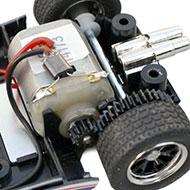 Ford GT40 - Le moteur arrière transversal et la transmission