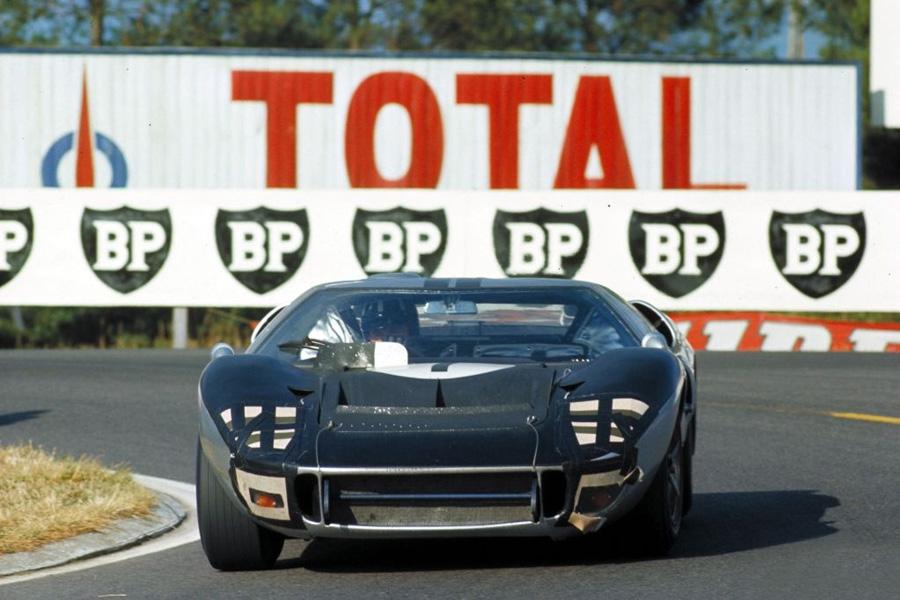 24 heures du Mans 1966 - Ford MkII #7 - Pilotes : Graham Hill / Brian Muir - Abandon