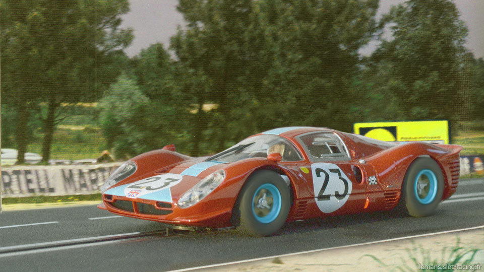 24 heures du Mans 1967- Ferrari 412P #23 - Pilotes : Richard Attwood / Piers Courage - Abandon