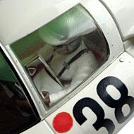 Porsche 910 - Détails du pilote