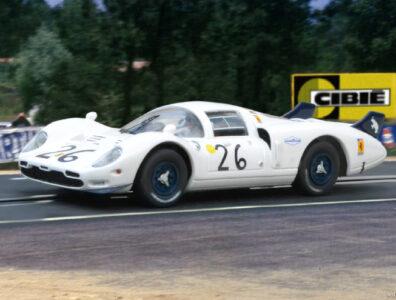 24 heures du Mans 1967 - Ferrari 365 P2 #26 - Pilotes : Ricardo Rodriguez / Chuck Parsons- Abandon