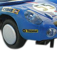 Alpine A210 Scalextric - Détails des roues et de la décoration à l'avant