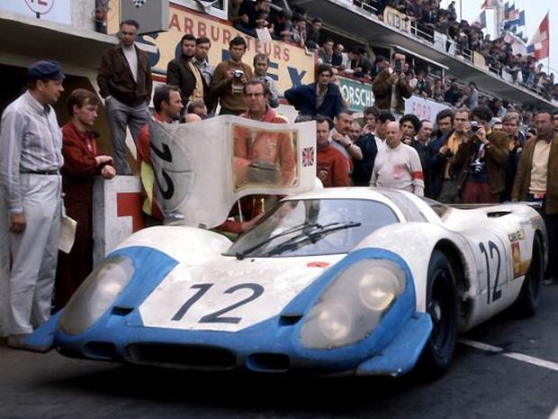L'abandon de la Porsche 917 numéro 12 après 18 heures passées en tête