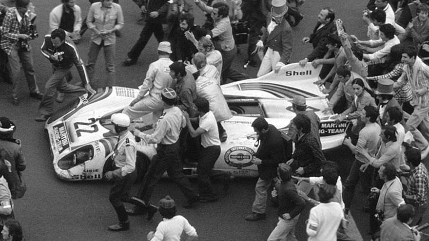 L'arrivée des 24 heures du Mans 1971