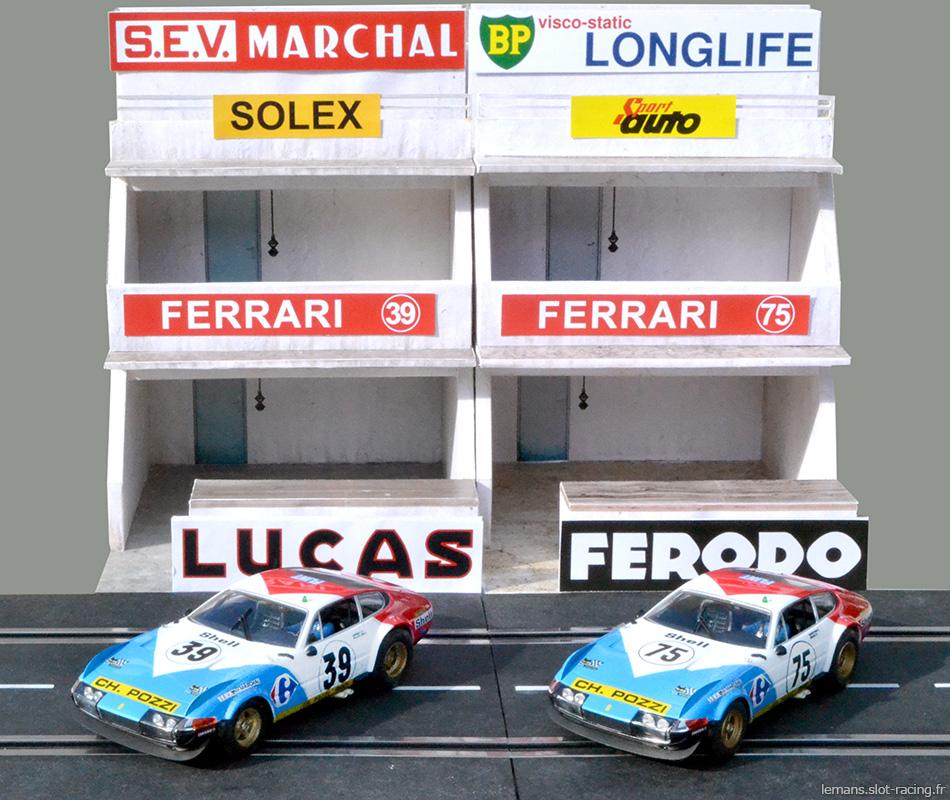 Les deux Ferrari Daytona du team Pozzi des 24 heures du Mans 1972 devant leurs stands