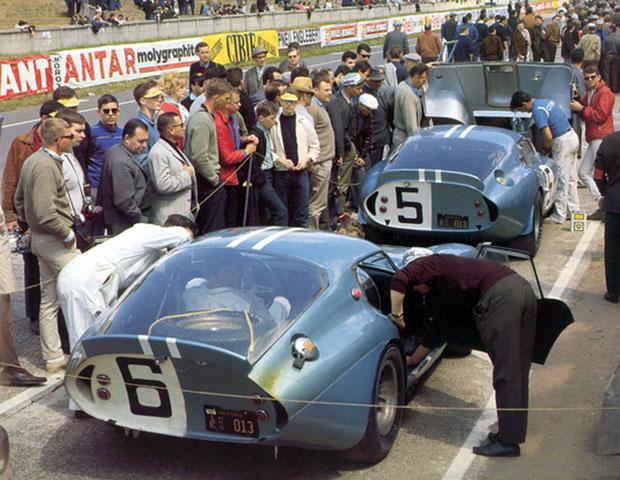 L'équipe de Caroll Shelby aux 24 heures du Mans 1964