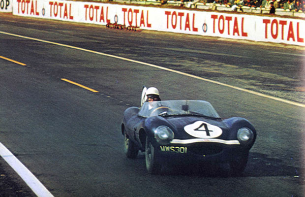 24 heures du Mans 1956 – Jaguar D - Pilotes : Ron Flockhart / Ninian Sanderson – 1er