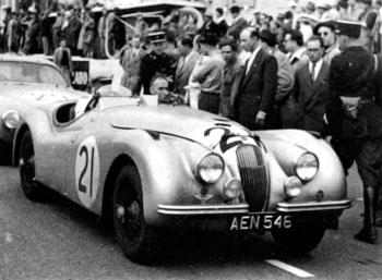24 heures du Mans 1951 – Jaguar XK 120 Pilotes : Robert Lawrie / Ivan Waller – 11ème