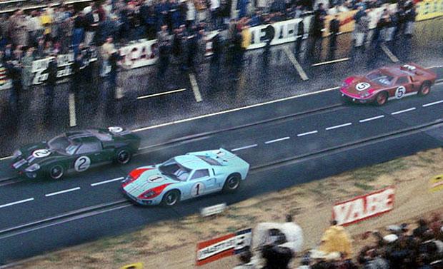 """24 heures du Mans 1966 - L'impossible """"Dead Heat"""" par Scalextric"""