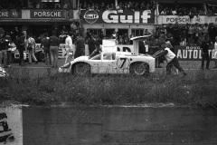 24 heures du Mans 1967 - Chaparral 2F #7 - Pilotes : Phil Hill / Mike Spence - Abandon