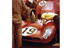 24 heures du Mans 1967 - Ferrari 330 P4 #19 - Pilotes : Günther Klass / Peter Sutcliffe - Abandon