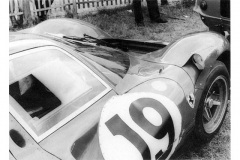 24 heures du Mans 1967 - Ferrari 330 P4 #19 - Pilotes : Günther Klass / Peter Sutcliffe - Abandon8
