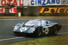 24 heures du Mans 1967 - Ford MkIV #4 - Pilotes : Denis Hulme / Lloyd Ruby - Abandon