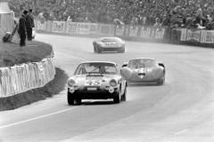 24 heures du Mans 1968 - Alpine A220 #28 - Pilotes : Henri Grandsire / Gérard Larrousse- Abandon